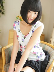 Short-haired sexy japanese girl Tomomi Kai