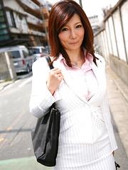 Sweet Sayuri Mikami poses in business suit
