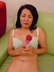 Big sex toy for a super nasty Japanese MILF