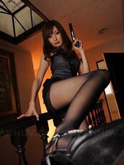 Slutty police darling Yui Igawa in stockings